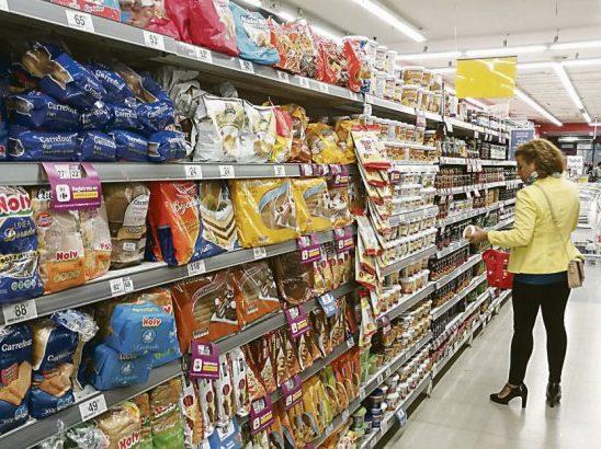 La inflación de octubre se desaceleró al 3,3%, pero en el año ya superó el 42%