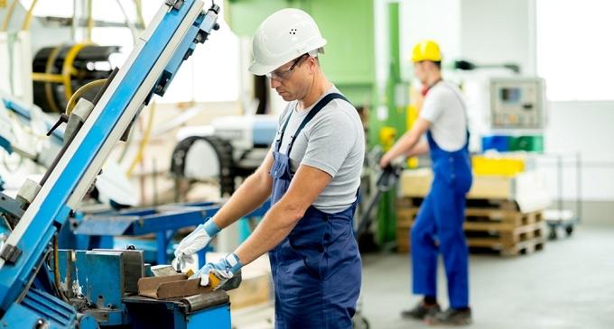 Posible suba salarial por decreto para empleados privados: A quiénes alcanzaría