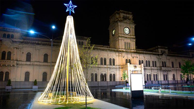Habrá horario extendido en locales comerciales por Navidad