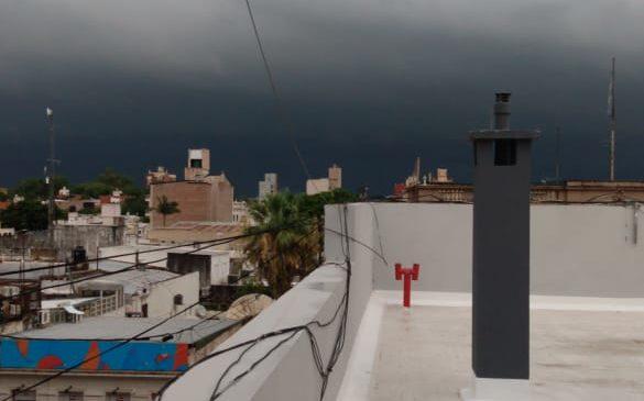 Frente de tormenta llega a Parana