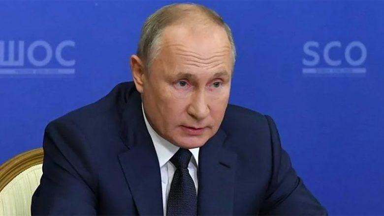 Putin dice que las vacunas rusas sirven contra las nuevas cepas de covid
