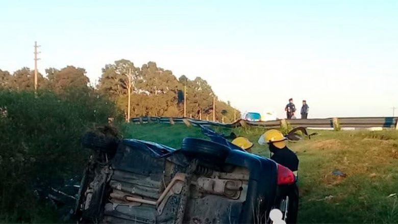 Trágico vuelco en el cruce de las rutas 12 y 131: falleció un hombre de 37 años