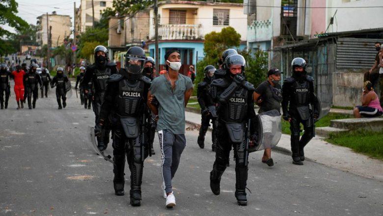 """El presidente de Cuba frente a un país en crisis que lo desafía: """"No es Fidel"""""""