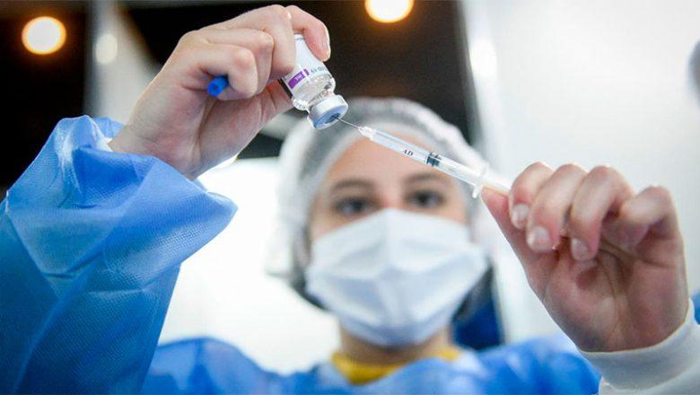 Ministros acordaron acelerar aplicación de segundas dosis y acortar intervalos