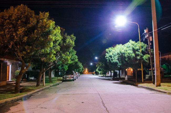 INSTALARAN LUMINARIAS LED EN PARANA